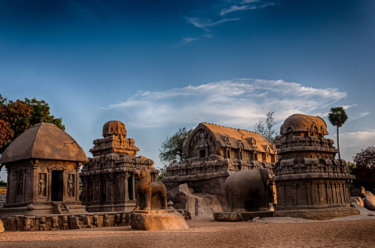 mahabalipuram in tamil Mahabalipuram, situated about 60 km south of chennai in tamil nadu, is an ancient port town known for its stone carvings and stone temples built largely between the 7th and the 9th centuries, the.